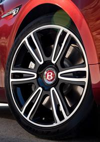V8のベントレー・フライングスパーに高出力版【ジュネーブショー2016】の画像