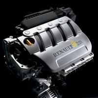 2リッター直4DOHC16バルブユニット。可変バルブタイミング機構を備え、133ps/5500rpmの最高出力と、19.5kgm/3750rpmの最大トルクを発生する。