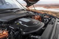 3リッターV6ターボディーゼルエンジンは258psと61.2kgmを生み出す。