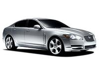 【スペック】XF 4.2 V8:全長×全幅×全高=4961×1877×1460mm/ホイールベース=2910mm/車重=1749kg/駆動方式=4WD/4.2リッターV8DOHC32バルブ(298ps/6000rpm、41.9kgm/4100rpm)