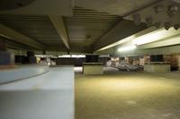 無響室自体が、免震ゴム(これもブリヂストンの得意分野だ)で支えられ、周辺環境からの影響を軽減している。