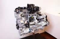 インタビュー会場に展示されていたエンジンのカットモデル。