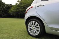 「XS」のFF車と全4WD車は、リアにもディスクブレーキを採用。