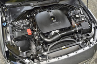 2リッター直4ガソリンエンジンは、200psと240psの2種類のチューンがあるが、エンジン形式はどちらも「204PT」となる。写真は240psの「2.5ポートフォリオ」のもの。