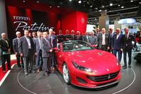 「フェラーリ・ポルトフィーノ」。フランクフルトモーターショー2017におけるフォトセッションの様子。