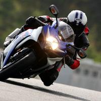 【Movie】最新のオートバイ23台が、サーキットを激走!の画像