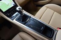 今回のテスト車は、車両本体価格619万円の6段MT仕様。このほかに、7段ATを搭載するモデル(671万4000円)もラインナップされる。