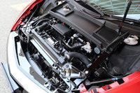 フロントには、「ツインモーターユニット」や各種冷却装置が搭載されるため、収納スペースはない。