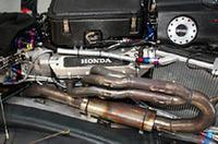 エンジンは、ホンダ、トヨタが3リッターV8を供給する。