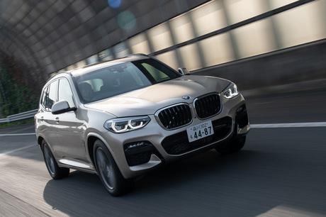 BMWのミドルクラスSUV「X3」に、プラグインハイブリッド車の「xDrive30e」が登場。大容量のバッテリーと外...