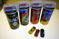 フェラーリのミニチュアが付いてくるのは、ごらんの4種類の缶コーヒー。キャンペーンは2010年7月20日に始まる予定だ。ミニチュアは左から「F40コンペティツィオーネ」「330 P4」「599」(上写真も)。
