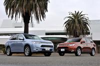 エクステリアは専用デザインのグリルやホイール、リアコンビランプなどによって、ガソリン車と差別化が図られている。