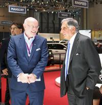 ラタン・タタ(写真右)と、BMW MINIのデザインを長年手がけ、クオロスに移籍したG.ヒルデブラント(写真左)。