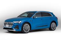 2021年1月13日に発売された「アウディe-tron」。既存の「アウディe-tronスポーツバック」よりもやや安価なため、EVに興味のあるユーザーへの橋渡し役となることが期待されている。なお、アウディ車全体では、2025年までに、新たに販売されるモデルの30%以上がEVになるとのこと。