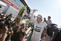 第8戦イギリスGPを制したメルセデスのニコ・ロズベルグ。第6戦モナコGPに次ぐ今季2勝目、自身通算3勝目を飾った。(Photo=Mercedes)
