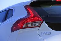 日本では2013年2月に発売された、ボルボのコンパクトハッチバック「V40」。最新の2015年モデルでは、足まわりのセッティングや装備類に変更が加えられた。