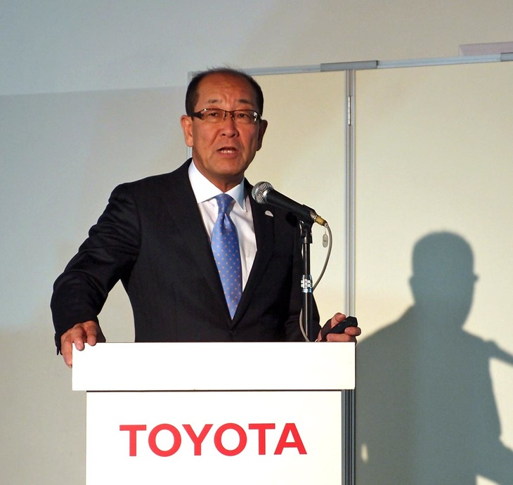 次期型「ミライ」への思いを熱く語る、田中義和さん。これまで「プリウスPHV」や「ミライ」といったトヨタのエコカー開発に関わってきた。