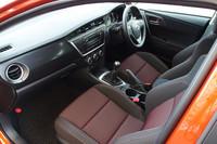 インテリアの様子。着座位置は、先代モデルよりも40mm低められた。
