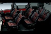 「ヴォクシーZS」の内装色には「ブラッドオレンジ&ブラック」が設定されている。