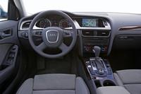 アウディA4アバント 3.2 FSIクワトロ(4WD/6AT)【海外試乗記】の画像