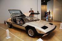 クラスDの「1971年ミケロッティ・マトラ・レーザー」。1950〜60年代にかけて、日本車を含む多くの生産車のスタイリングを手がけたミケロッティが、71年のジュネーブショーに出展したワンオフのデザインスタディ。中身はフランス製ミドシップスポーツのマトラM530。