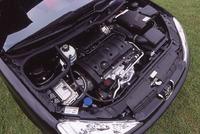 導入された206CCは、「1.6リッター+4AT」の仕様。本国では、「2リッター+5MT」モデルもラインナップされる。