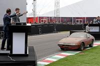 2017年9月9日、フェラーリの創業70周年を記念するイベントにおいてオークションにかけられた、日本は岐阜県内のバーンファインドカー「365GTB/4 デイトナ」。
