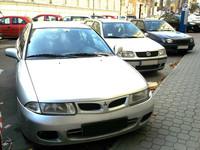 オランダのネッドカー社製で2004年まで造られていた「三菱カリスマ」の姿も。