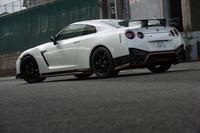 「日産GT-R」のさらなる高性能版として登場した「GT-R NISMO」。2013年11月にお披露目され、翌年発売された。