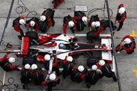 スーパーアグリ・ホンダは、アンソニー・デイヴィッドソンが佐藤琢磨を抜き15位、佐藤は16位でレースを終えた。テスト皆無で迎えた今シーズン、貴重なデータを手に入れたことは事実。(写真=Honda)