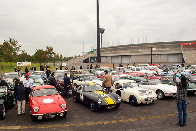 1932年の「MG J2ミジェット」から1969年の「ミニ」や「ヴァンデン・プラ・プリンセス」まで、生粋の英国車が集った。
