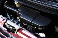 0.66リッター直3自然吸気エンジン搭載モデルの燃費は、クラストップの29.2km/リッターを達成した(JC08モード。FF車の場合。Eグレードを除く)。