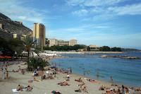 モナコ・ラルヴォットのビーチ。2011年9月撮影。