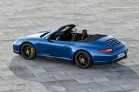 こちらはオープンバージョンの「911カレラ4 GTSカブリオレ」。