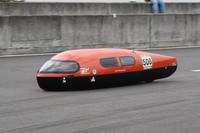 ニューチャレンジクラス優勝の「矢板高校機械技術研究部OB」(1887.220km/リッター)。同クラスは50cc以上150cc以下のホンダ4ストロークエンジンを使用し、学生、一般を問わず参加が可能。