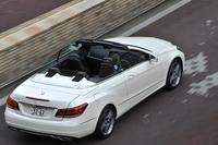 「E250カブリオレ」は、マイナーチェンジを機に「Eクラスカブリオレ」に設定された新グレード。同車の現行モデルでは初の4気筒エンジン搭載車となる。