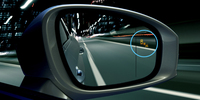 ブラインドスポットモニター。写真で青く囲まれたところに、他車接近を示すマーカーがともる。