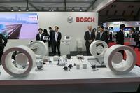 2017年の東京モーターショー、大手パーツサプライヤーであるボッシュのブースより。「電動化」「自動化」「ネットワーク化」をキーワードに、最新技術が数多く展示された。