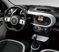 MT仕様の限定車「サンクS」のインテリア。7月13日の発表会では、同車の展示は行われなかった。(写真は欧州仕様)