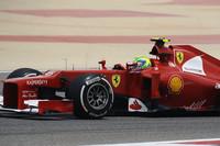 ニューマシンに手を焼くフェラーリにあって、幸運にもマレーシアGPで優勝したフェルナンド・アロンソの陰にすっかり隠れたフェリッペ・マッサ(写真)が、ようやく今季初得点。予選では14位と相変わらず低調ながら、レースではアロンソと肩を並べるほどのパフォーマンスを披露、9位でレースを終えた。アロンソは予選9位から7位完走。(Photo=Ferrari)
