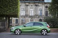 新色の「エルバイトグリーンメタリック」。日本仕様にもぜひ設定してほしい色だ。
