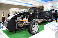 自動車メーカーでもっとも力が入っていたホンダのブースにて、「インサイト」のカットモデル。ほかにホンダのハイブリッドシステムである「IMA」のカットモデルも展示されていた。