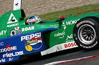 2004年、F3でタイトルを獲得。翌年6月の第4戦富士から、フォーミュラ・ニッポンへ参戦を始めた。