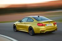 「BMW M4」がSUPER GTでデモランの画像
