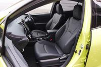 前席は、ロングドライブでも快適に過ごせるよう、座面にかかる圧力を先代よりも広く分散させたという。