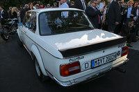 BMWがコンセプトカー「2002オマージュ」を発表の画像