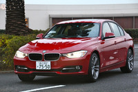 新型「BMW 3シリーズ」。日本では2012年1月30日に「328i」が発売された。追って年内に「320i」とハイブリッドモデル「アクティブハイブリッド3」が加えられる見込み。