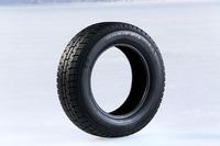 「オブザーブ ガリットGIZ」のコンセプトは「冬のあらゆる路面でさらなる安心感を得られるスタッドレスタイヤ」。中でも凍結路面における制動とコーナリングの性能を強化した。