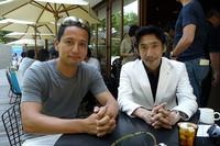 右が「マツダ・ビアンテ」を手がけた小泉巌チーフデザイナー。