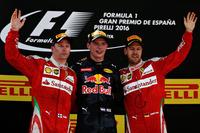 F1第5戦スペインGPで初優勝したレッドブル・タグ・ホイヤーのマックス・フェルスタッペン(中央)、2位に終わったフェラーリのキミ・ライコネン(左)、同じくフェラーリで3位に入ったセバスチャン・ベッテル(右)。(Photo=Red Bull Racing)